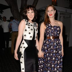 Jena Malone y Liz Goldwyn en la Cena de Cosméticos organizada por Vogue y MAC