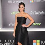 Kate Beckinsale posa en el estreno en Los Angeles de 'Star Trek: En la oscuridad'