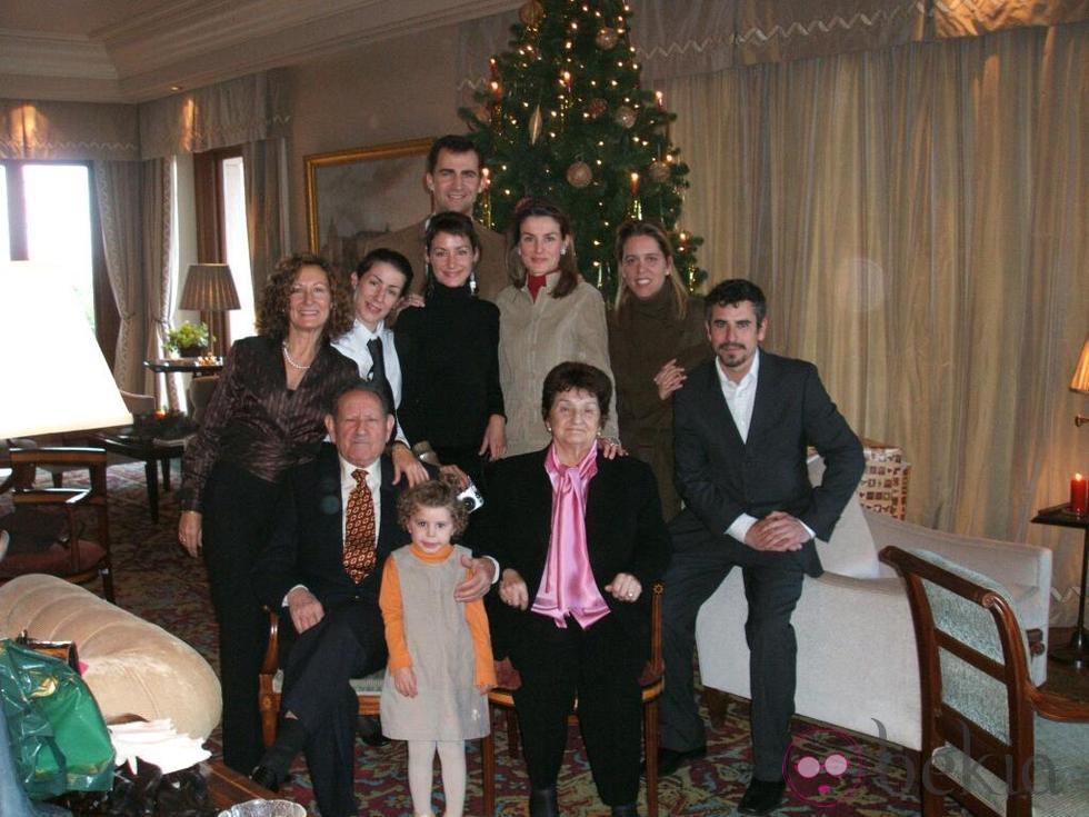 La familia Ortiz Rocasolano, en las navidades 2004