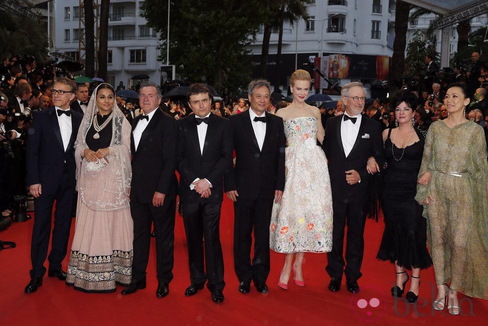 Miembros del jurado en la ceremonia de apertura del Festival de Cannes 2013