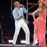 Pitbull cantando 'Live it Up' en la final de 'American Idol'