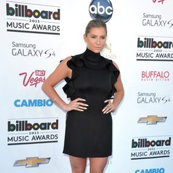 Kesha en la alfombra roja de los Billboard Music Awards 2013