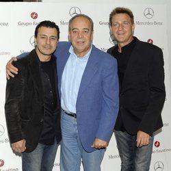 Marcial Álvarez, Tito Valverde y Juanjo Artero en la entrega del Premio Agustín González 2013
