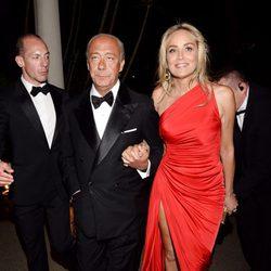 Fawaz Gruosi y Sharon Stone en la fiesta Grisogono de Cannes 2013