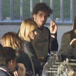 Feliciano López y Alba Carrillo tomando algo en un partido benéfico de pádel en Madrid
