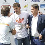 Iker Casillas en un partido benéfico de pádel