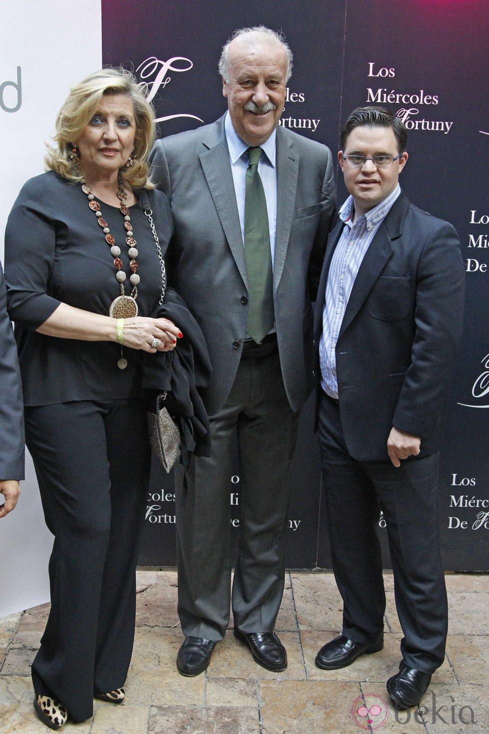 Vicente del Bosque con su mujer Trinidad López y su hijo Álvaro