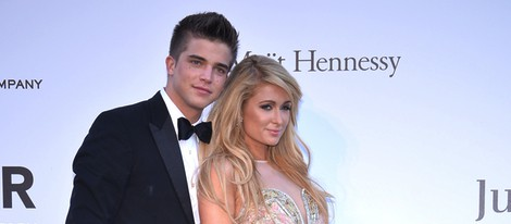 River Viiperi y Paris Hilton en la gala amfAR del Festival de Cannes 2013