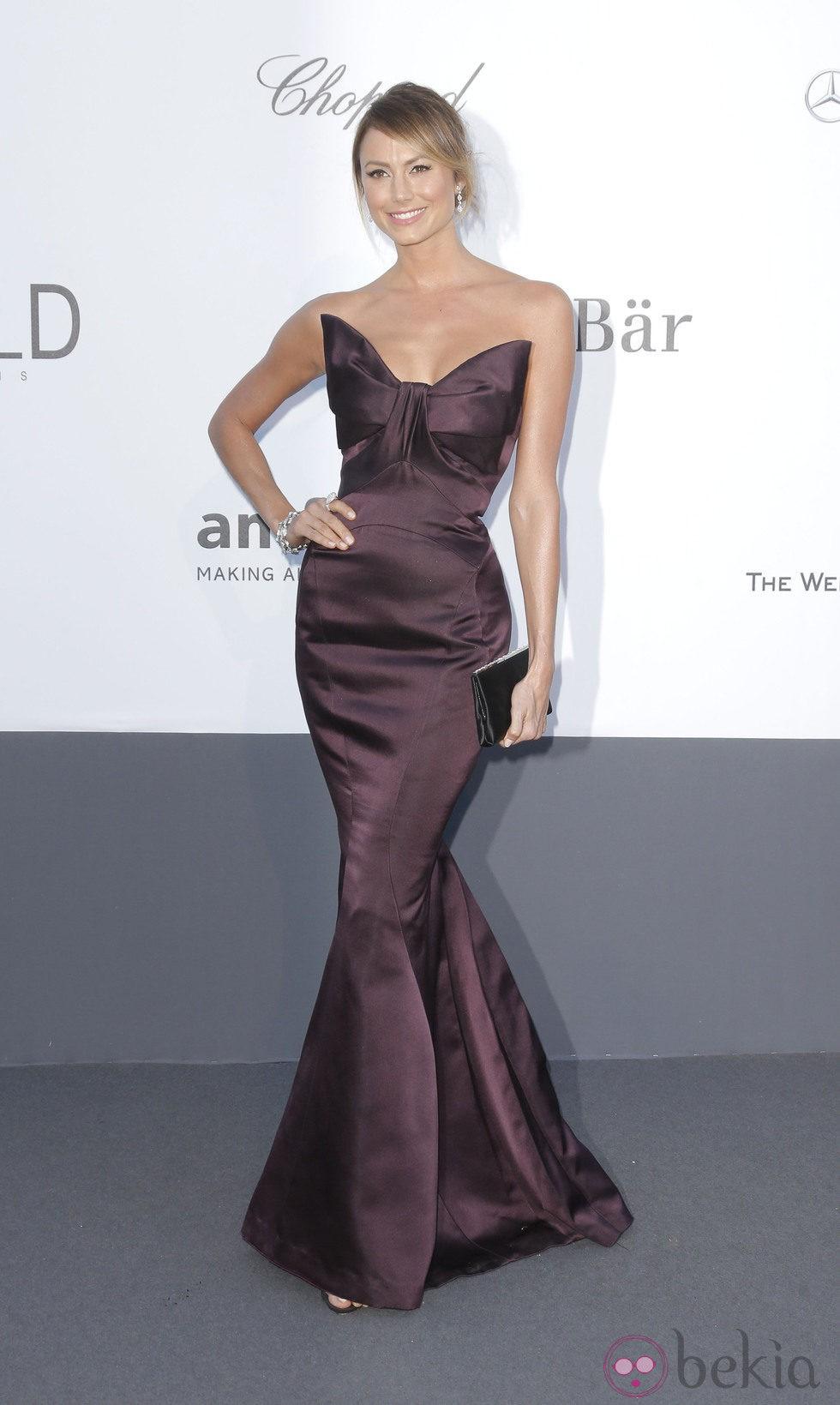 Stacy Keibler en la gala amfAR del Festival de Cannes 2013