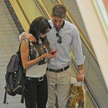 Sergio Ramos y Pilar Rubio, cariñosos en un centro comercial de Madrid