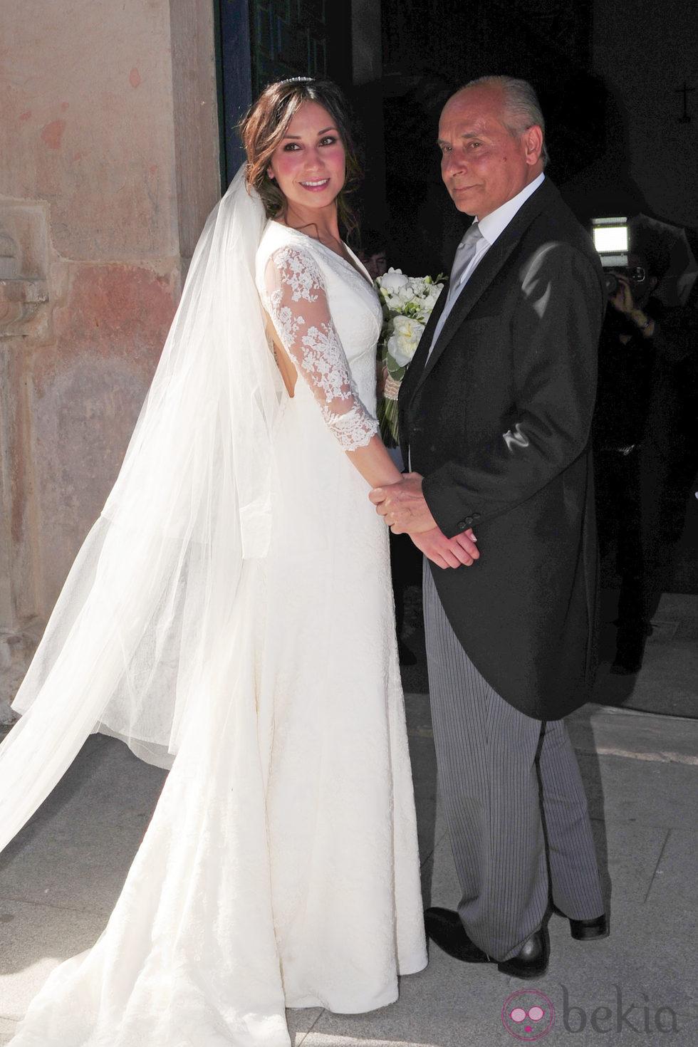 Cristina Sáinz a su llegada a la iglesia de Vegas de Matute (Segovia)