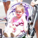 Harper Seven disfrutando de un soleado paseo por Los Ángeles