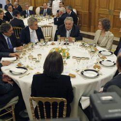 Los Reyes junto a Mariano Rajoy, Elvira Fernández Balboa y el presidente de Uruguay
