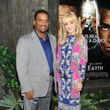 Alfonso Ribeiro y su esposa en el estreno de 'After Earth' en Nueva York