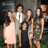 M. Night Shyamalan con su esposa e hijas en el estreno de 'After Earth' en Nueva York