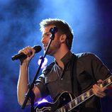 Pablo Alborán dando un concierto en Cáceres para celebrar su 24 cumpleaños