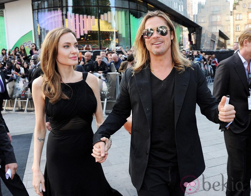 Angelina Jolie y Brad Pitt a su llegada a la premiere de 'Guerra Mundial Z' en Londres