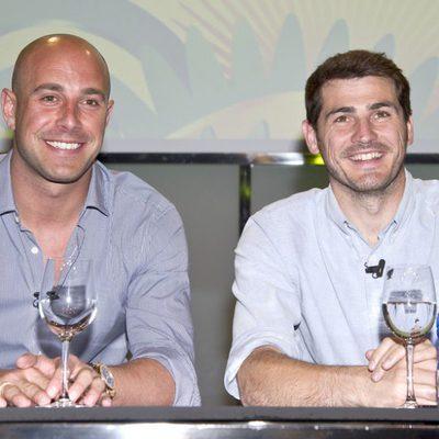 Iker Casillas y Pepe Reina en la presentación de la Copa Confederaciones 2013