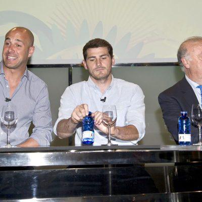 Pepe Reina, Iker Casillas y Vicente del Bosque en la presentación de la Copa Confederaciones 2013
