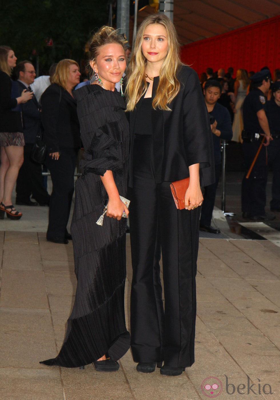 Mary-Kate Olsen y Elizabeth Olsen en los Premios CFDA 2013