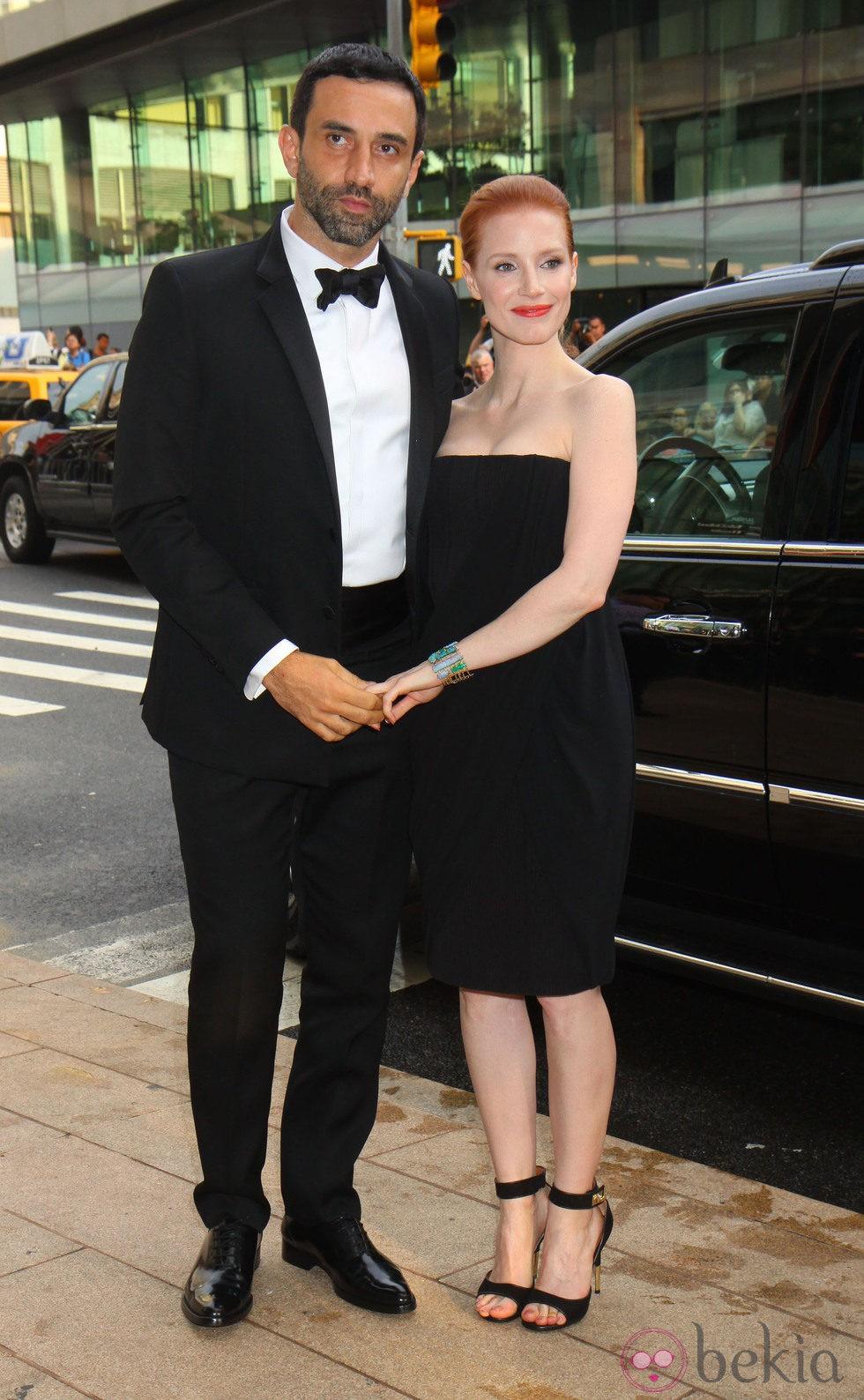 Jessica Chastain y Riccardo Tisci en los Premios CFDA 2013