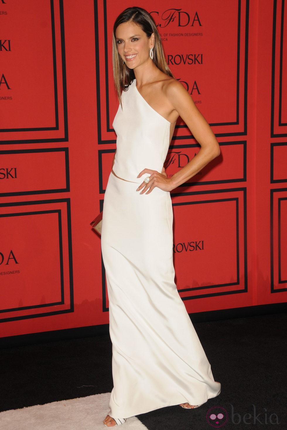 Alessandra Ambrosio en los Premios CFDA 2013
