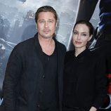 Angelina Jolie y Brad Pitt en la promoción de 'Guerra Mundial Z' en París