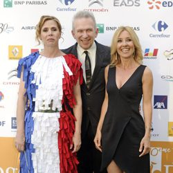 Ágatha Ruiz de la Prada, Jean Paul Gaultier y Cayetana Guillén Cuervo en el X Prix Diálogo