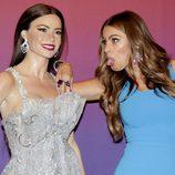 Sofía Vergara con una de sus réplicas de cera en el Madame Tussauds de Nueva York
