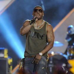 Nelly actuando en los CMT Awards 2013