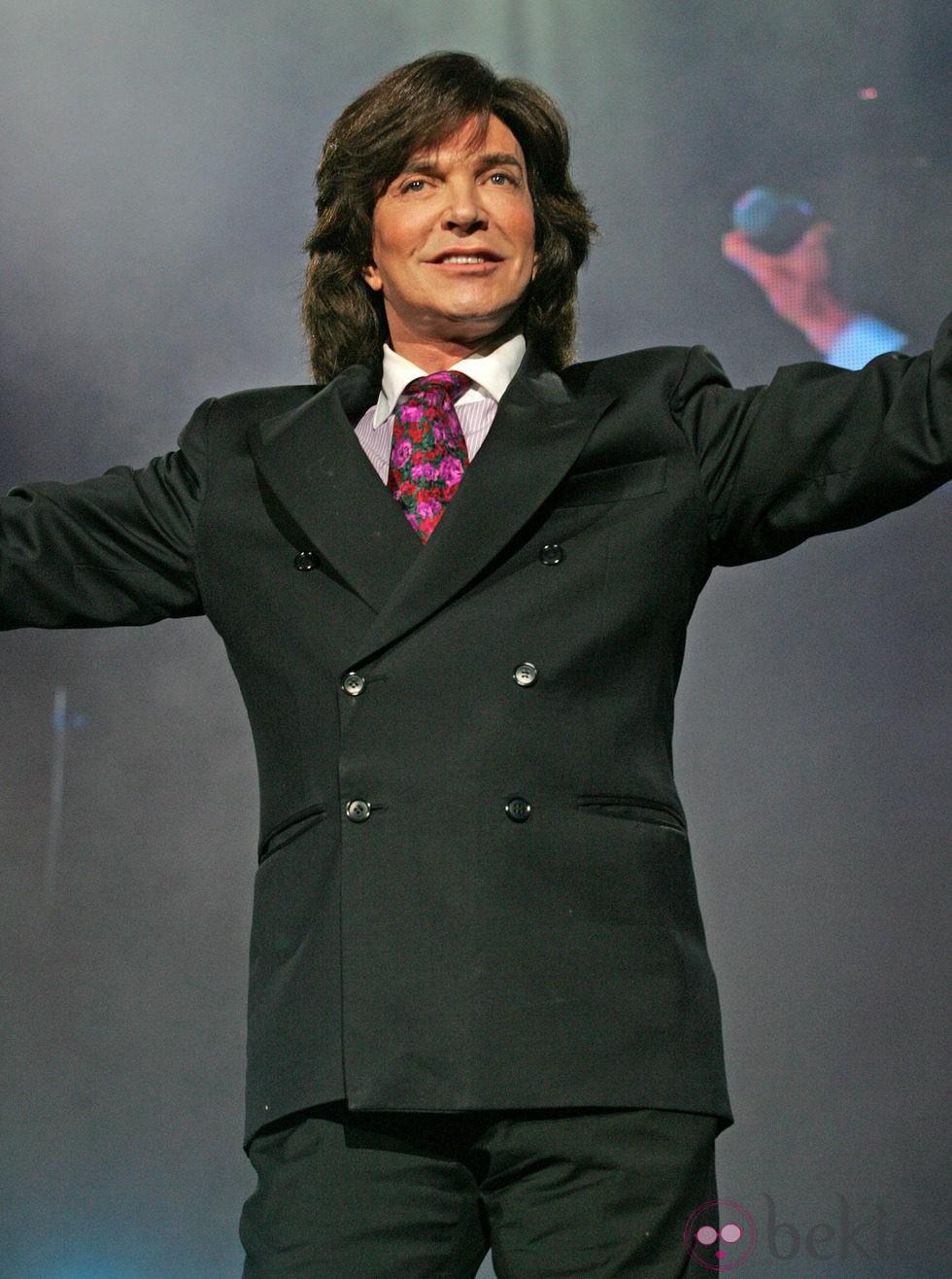 Camilo Sesto en un concierto en Miami