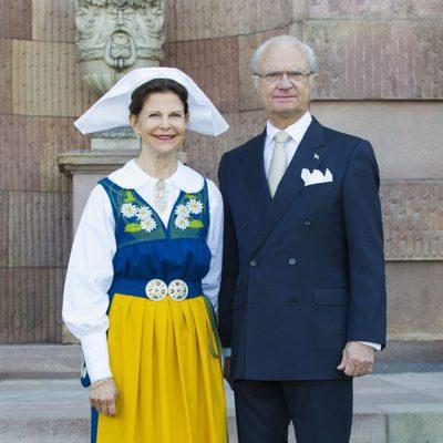 Los Reyes Carlos Gustavo y Silvia en el Día Nacional de Suecia 2013