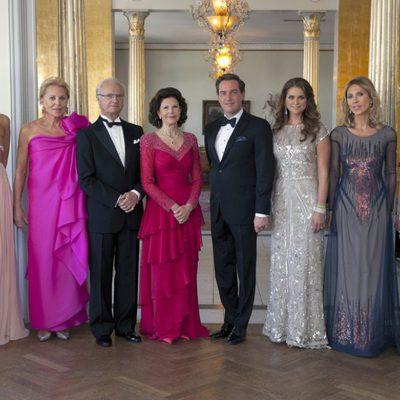 La Familia Real y los O'Neill en la cena previa a la boda de Magdalena de Suecia y Chris O'Neill