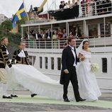 La Princesa Magdalena de Suecia y Chris O'Neill embarcando rumbo al Palacio de Drottninghom