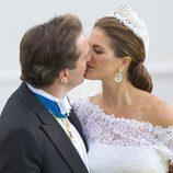 La Princesa Magdalena de Suecia y Chris O'Neill besándose tras su paseo en calesa por Estocolmo