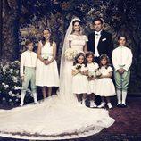 Fotografía oficial de la boda de la princesa Magdalena de Suecia y Christopher O'Neill con los pajes y damas de honor