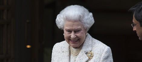 La Reina Isabel II visita al Duque de Edimburgo en el hospital el día de su 92 cumpleaños