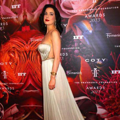 Dita Von Teese en la Fragrance Foundation Awards 2013