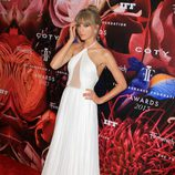 Taylor Swift muy elegante en la Fragrance Foundation Awards 2013