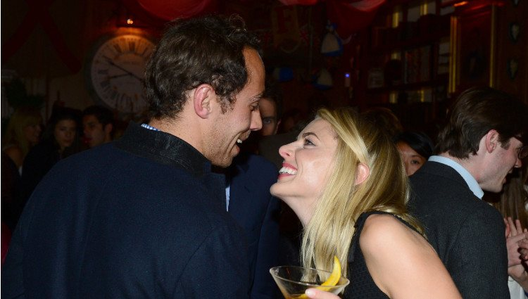 James Middleton y Donna Air ríen divertidos