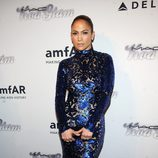 Jennifer Lopez en la gala amfAR 2013 de Nueva York