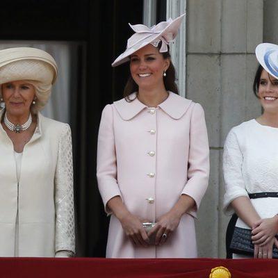 La Duquesa de Cornualles, la Duquesa de Cambridge y la Princesa Eugenia de York en Trooping the Colour 2013
