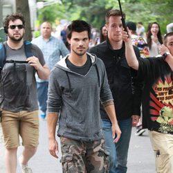 Taylor Lautner durante el rodaje de 'Trancers'
