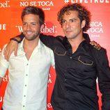 Pablo Alborán y David Bisbal en el concierto de Alejandro Sanz en Sevilla