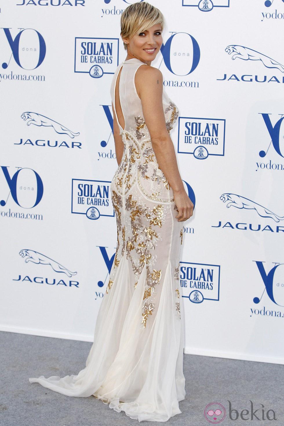 Elsa Pataky posa a su llegada a los Premios Yo Dona 2013