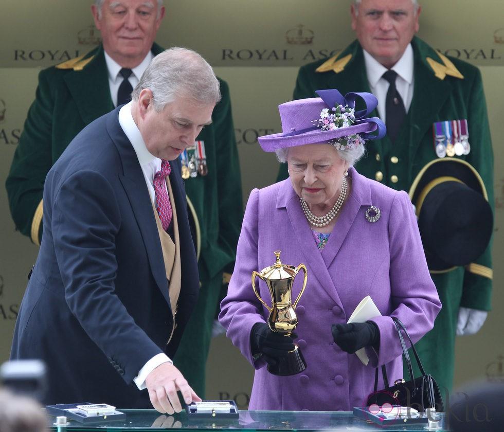 El Duque de York y la Reina Isabel en Ascot 2013