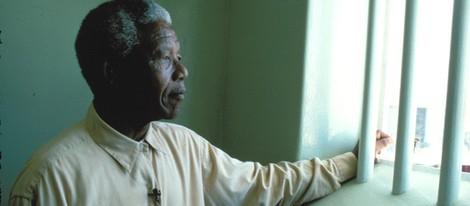 Nelson Mandela en la cárcel a principios de los años noventa