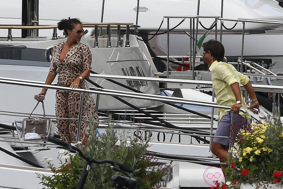 Tamara Ecclestone y Jay Rutland emprenden un viaje familiar en yate