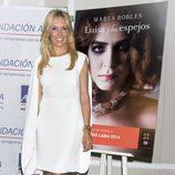 Marta Robles presenta su primera novela  'Luisa y los espejos'