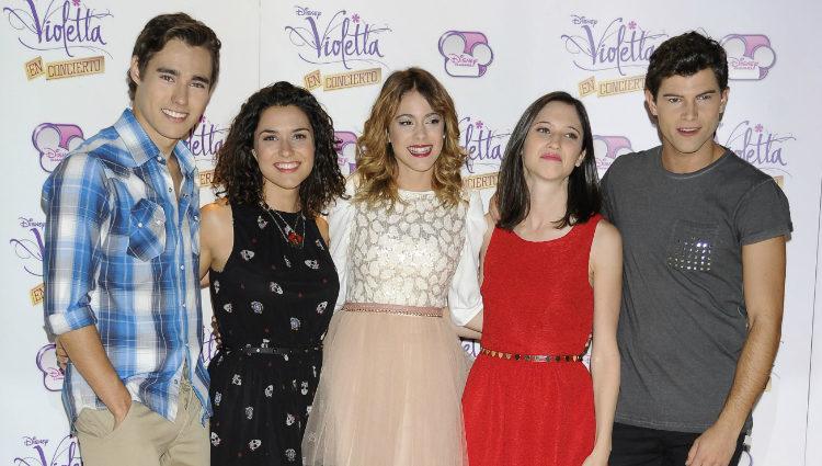 Los actores de 'Violetta' durante la presentación de la serie en Madrid